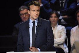 """Macron apela a """"no ceder al miedo"""" y promete proteger a los franceses de forma """"implacable"""""""