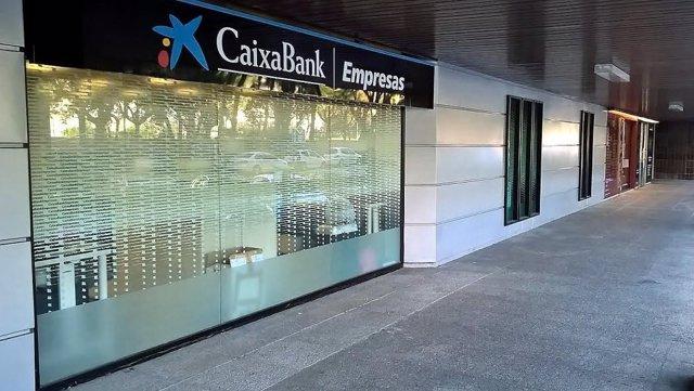 Una de les oficines de Caixabank