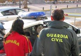 La Guardia Civil detiene a los dos presuntos autores de una decena de robos en Puerto de Mazarrón