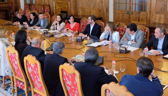 Reunión de la Comisión de Turismo de la FEMP en el Palacio de la Magdalena