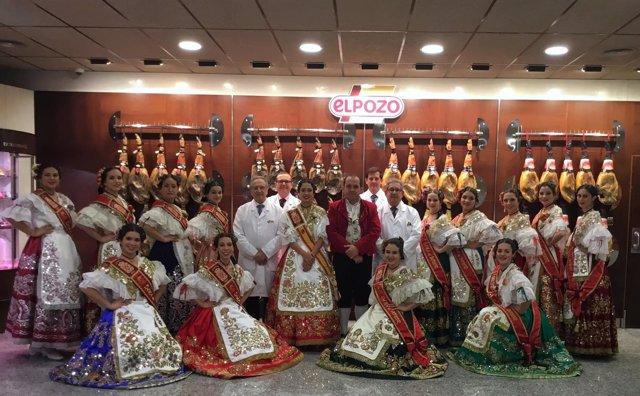 La Reina de la Huerta y su corte de damas visitan ElPozo Alimentación