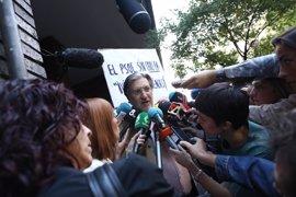 Pérez Tapias avala a Pedro Sánchez en las primarias por la Secretaría General, por la que compitieron en 2014