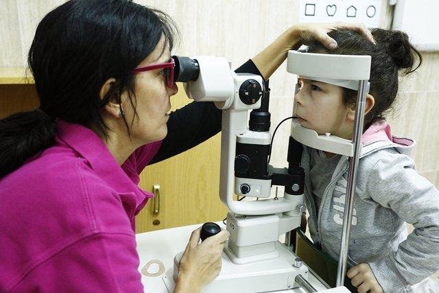 El IMO detecta un 29% de problemas de visión ocultos en niños vulnerables