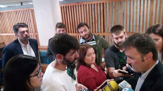 Bellido habla sobre la cuñada de Barcala, que le observa detrás de la prensa