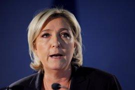 El primer sondeo tras el atentado de París refleja una subida de un punto para Le Pen