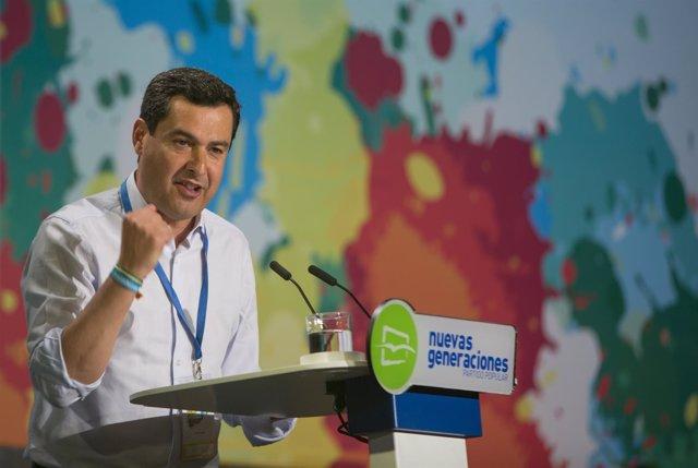 Juanma Moreno en el Congreso de NNGG celebrado en Sevilla