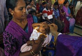 Las trabajadoras sexuales del 'barrio rojo' de Bombay, obligadas a vender a sus bebés