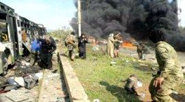 Finaliza la evacuación de civiles y combatientes sirios a cambio de la liberación de 500 prisioneros