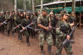 Las FARC denuncian el asesinato de uno de sus guerrilleros a manos de paramilitares