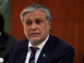 El ministro de Finanzas paquistaní insta a la comunidad internacional a ayudar a lograr la paz en Cachemira