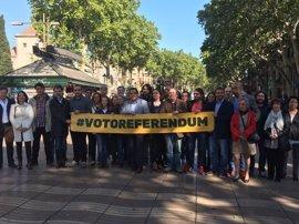 El Pacte pel Referèndum alcanza los 5.000 voluntarios en la víspera de Sant Jordi