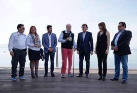 El Rey Juan Carlos recibe la licencia de honor de vela en Sanxenxo (Pontevedra)