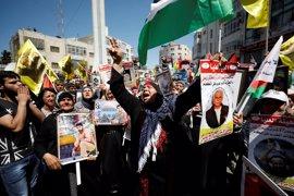 Decenas de presos palestinos se suman a la huelga de hambre en las cárceles israelíes