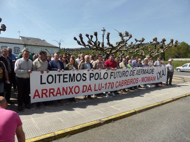 Manifestación en Xermade para exigir a la Xunta el arreglo de la LU-170