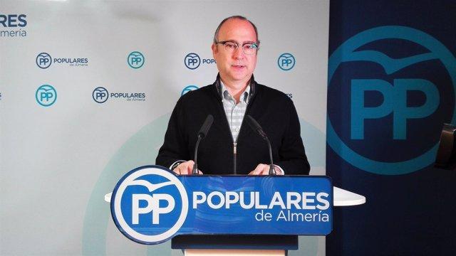 El senador del PP Luis Rogelio Rodríguez-Comendador