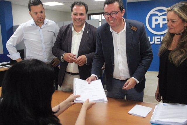 Manuel Andrés González presenta sus avales para el Congreso del PP de Huelva