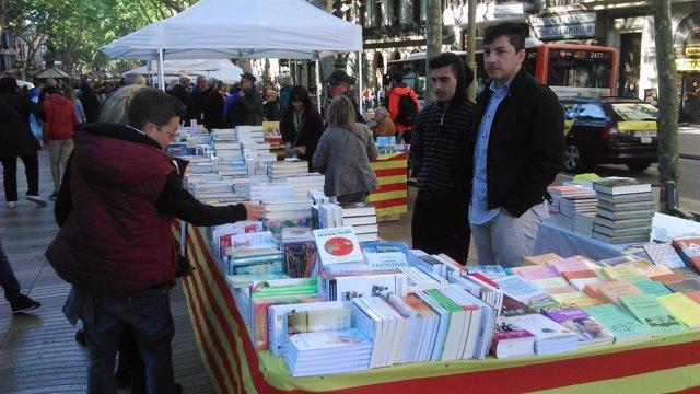 Paradas de rosas y libros Sant Jordi