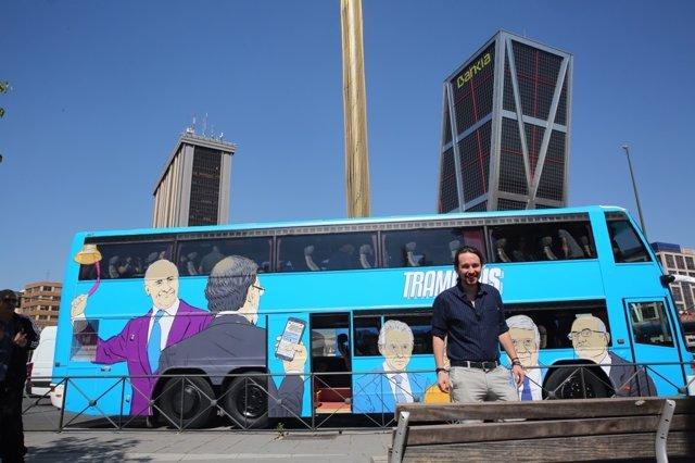 Pablo Iglesias en el tramabús de Podemos en Madrid