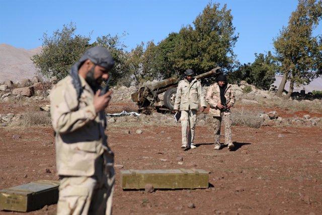 Combatientes rebeldes en Quneitra