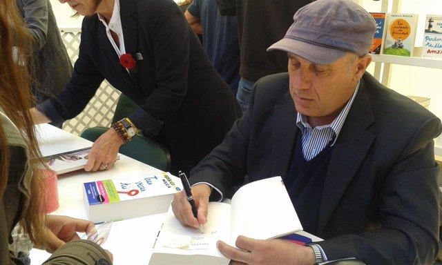 El escritor italiano Federico Moccia