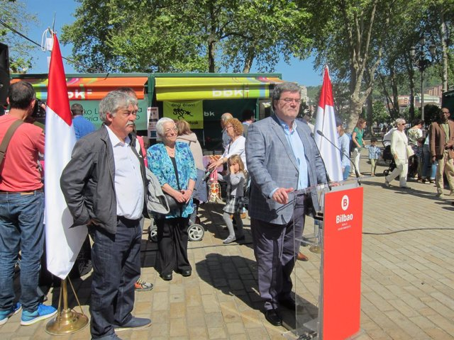 Aburto en el 'Día del Libro' en Bilbao