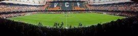 17.000 personas hacen la ola en Mestalla en un partido de fútbol femenino de récord