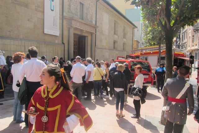 Desalojo del Edificio Histórico en los preparativos de la procesión del Traslado
