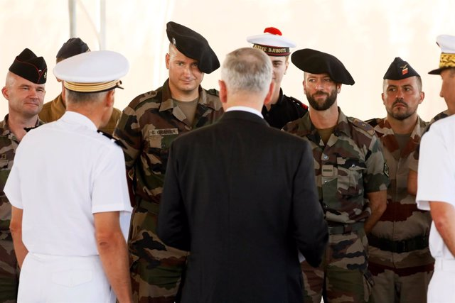El secretario de Defensa James Mattis visita Yibuti
