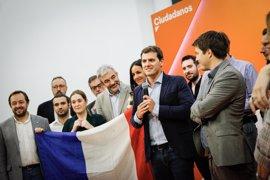 """Rivera recibe a partidarios de Macron y califica su """"victoria"""" como """"una gran noticia para Europa"""""""