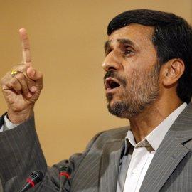 Ahmadineyad anuncia que no respaldará a ninguno de los candidatos a las presidenciales en Irán