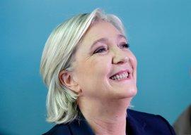 El Frente Nacional busca sumar a los votantes de Fillon y Mélenchon para la segunda vuelta