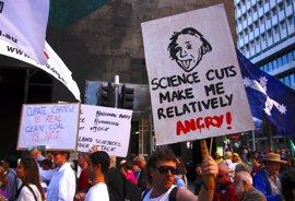 Científicos de todo el mundo recuerdan a la clase política la importancia de su labor en una marcha histórica