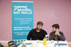 """Urban (Podemos): """"Es muy difícil tener que elegir entre un banquero de la austeridad y los monstruos del pasado"""""""