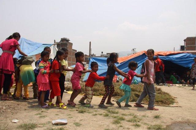 Niños en Nepal, en un espacio coordinado por Plan Internacional.