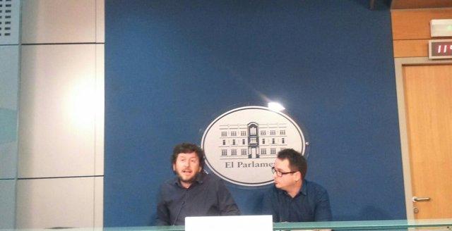 Rueda de prensa de Podemos en el Parlament