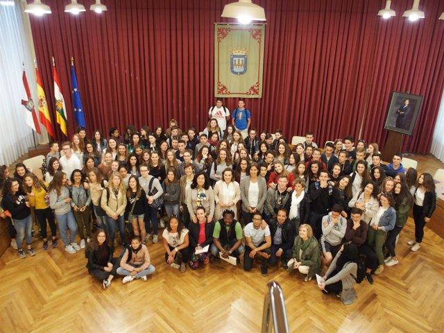 Gamarra recibe a los jóvenes alumnos franceses