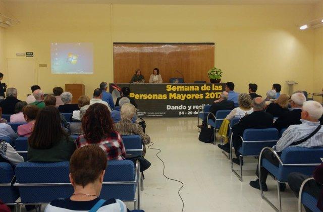 Gamarra y Corres, en la apertura de la II Semana de Mayores