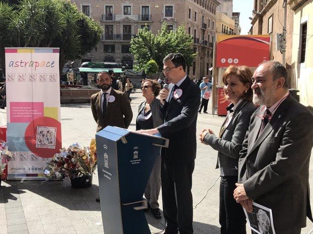 Los clubes de lectura fácil celebran el 'Día del Libro 2017'