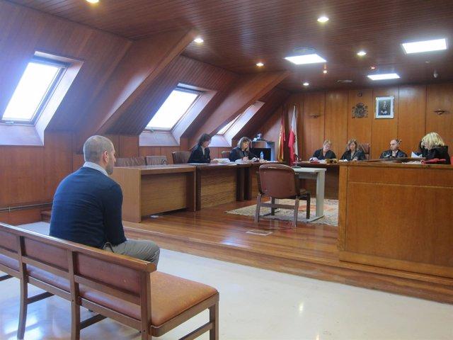Acusado abusar de la hija de su pareja en el juicio