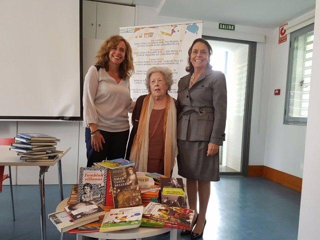 Bibliotecas Municipales rebien donación de libros de Fundación Lara