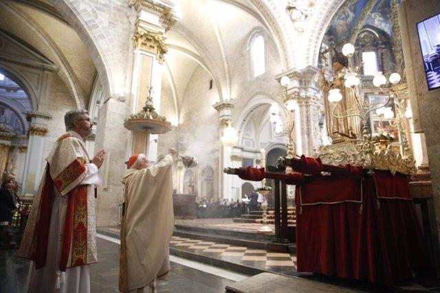 El purpurado y el fraile han celebrado el día de San Vicente