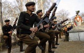 Muertos 26 policías en un ataque de la guerrilla maoísta en el centro de India