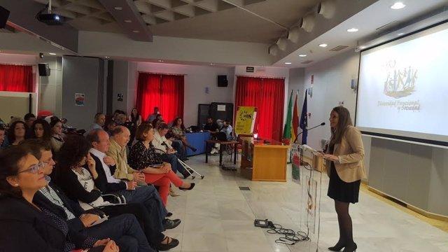 Ruiz (izda.) durante su intervención en la inauguración de las jornadas