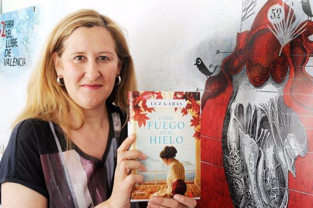 La autora ha visitado la Fira del Llibre