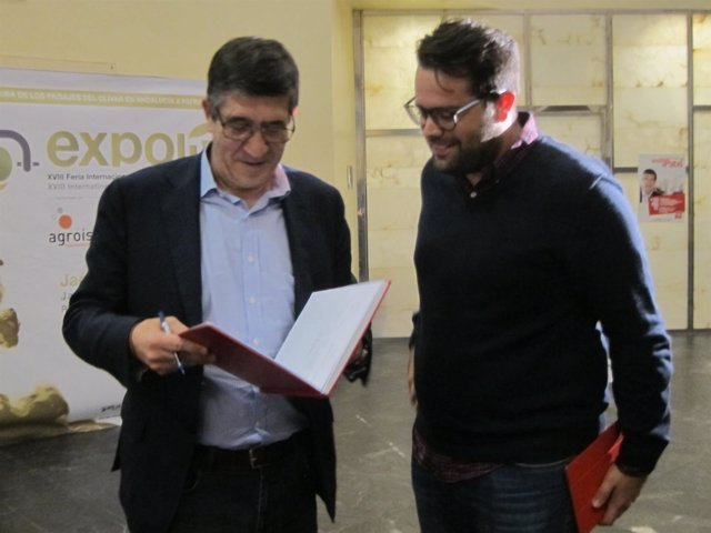 López Antes De Comenzar El Encuentro Con Militantes
