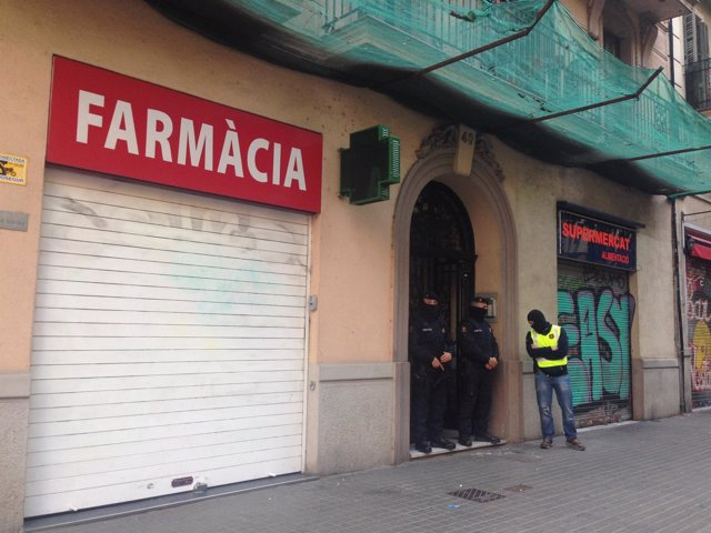 Operación contra el yihadismo en la calle Viladomat de Barcelona