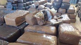 A prisión por ocultar 480 kilos de hachís en ruedas de camiones llegados de Marruecos