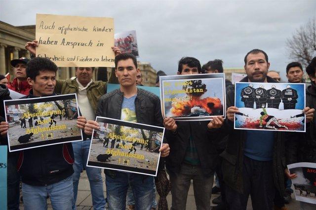 Manifestación contra la deportación de afganos en Stuttgart en febrero de 2017