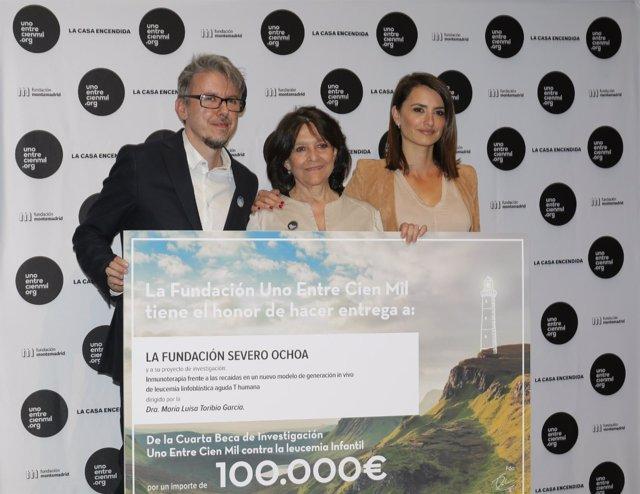 Unoentrecienmil entrega una beca 100.000 euros investigación leucemia infantil