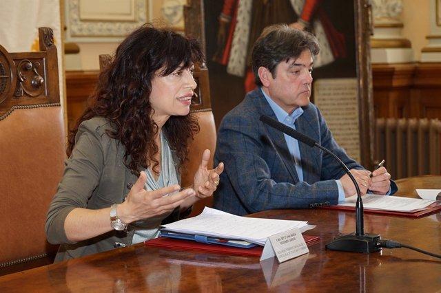 La concejal Ana Redondo junto al gerente de la Fundación Municipal de Cultura